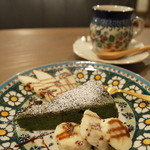 PUBLIC KITCHEN cafe - 抹茶のケーキ