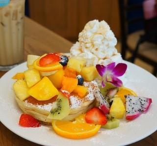 Hawaiian Pancake Factory 新宿ミロード店 - トロピカルフルーツ