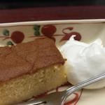 御料理山もと - デザート しっとりきめ細かなスポンジケーキ ふゎふゎ生クリーム