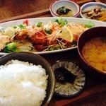 CAZIカフェ - 鶏天タルタルがけ定食 ¥1080