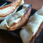 伝丸 - 2012/11/13/ 13:35訪問 餃子(3ヶ¥200※要麺注文)