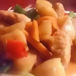 モンゴルレストラン シンキロー - 鶏肉とじゃがいも炒め