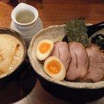 ひむろ - 味噌つけ麺(800円)+チャーシュートッピング