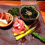 37533345 - 季節を味わう前菜3種                         もずく酢・焼き明太子とおぼろ豆腐(だったと思う)・ヤングコーンのローストと生ハム