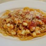 セントベーネ - バジルとモッツアレラチーズのトマトソーススパゲッティ