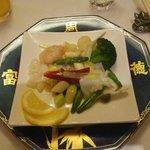 37537581 - 三種海鮮と旬野菜炒め