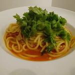 アーバーズカフェ - 山盛りパクチーのトマトスパゲッティ
