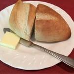 37540824 - ・自家製パン                       噛むほどに甘みが増していく◎