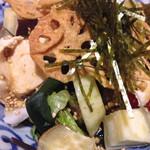 37542786 - 蒸し鶏と加賀野菜のサラダ