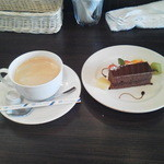 37542871 - 追加本日のデザート(チョコケーキ)