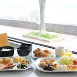 諏訪湖サービスエリア(下り線)レストラン湖彩 - 料理写真:高速道路SA・PAでは珍しいモ-ニングバイキング。リピ-タ-様の御用達。7:00~10:00。大人¥960、シニア(65歳以上)¥860、小学生¥670※食材の都合により価格変更させて頂く場合がございます。