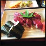 桜鍋 吉し多 - 馬刺しの寿司