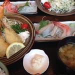 海鮮工房 なみ平 - 料理写真:海老、魚フライ定食 刺身付き1190円