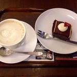 上島珈琲店 - ウィンナーコーヒー・極   濃チョコレートケーキ