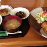 カウベル - ビックチキンカツ定食