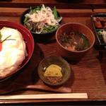 37555297 - 大和肉鶏と龍の卵の親子丼。満足度たかし。