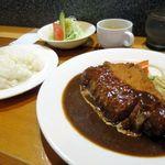 洋食屋ゆうき - ポークカツレツ1000円(スープ・サラダ・ライス付き)