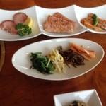 焼肉レストラン三千浦 - 上タン、上カルビ、豚トロ