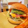CLINK - 料理写真:アボガドベーコンチーズバーガー フレッシュなアボガドをどうぞ!