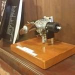 コーヒー・ブリックス - 店主は模型エンジンのコレクターさんです