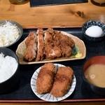 てしごとや ふくの鳥 - チキンカツとカニクリームコロッケ定食830円