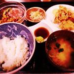 和院 - まぐろ納豆と選べるおかず定食(から揚げ)