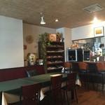 ジラソーレ - オープンキッチンの素敵な店内♬