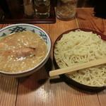 伝丸 - Wチャーシュー味噌つけ麺880円