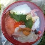 海 - 海鮮丼 500円