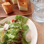 カステロ ビアンコ - ランチのサラダ