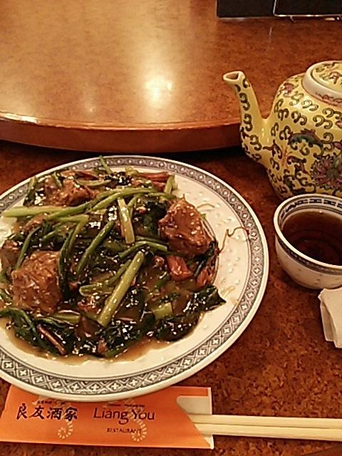 良友酒家 - 牛腩炒麺(牛シチューヤキソバ)です。牡蠣油(オイスターソース)で煮込んであります。