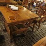 茶房ズ - テーブル席です。