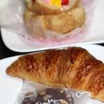 シェ・モム - マカダミアンナッツクッキー、クロワッサン