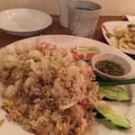 にんにくやマナオ - 海老の炒めご飯