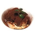 マザー アース カフェ - 濃密卵とマスカルポーネのティラミス