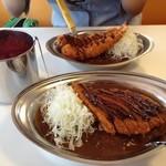 カレーのチャンピオン  - 料理写真:海老フライもデカイ(゚o゚;
