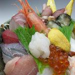 万葉 - 海鮮丼(特上) \2625