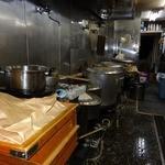 37582559 - 「武蔵家 西千葉店」厨房内