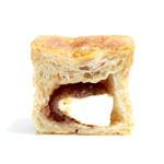 オーガニックパン工房 それいゆ - 自家製りんごJamのキューブの断面 '15 3月中旬