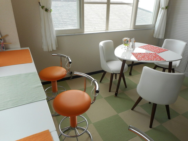 3rd フロア - カウンター席やテーブル席