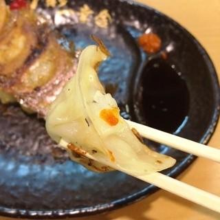博多一幸舎 総本店 - 柚子辛子の薬味つけて召し上がれ~