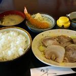 カフェ食堂みどり - ゆで豚とエビフライの定食