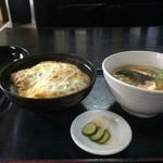 升庵 - 料理写真:かつ丼に、うどんが付いて900円です