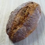 オーボンパン ビゴの店 - いちじくの入ったハードパン