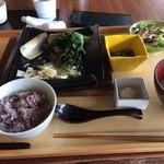 37594643 - 【ランチ】野菜たっぷり『豆腐つくねハンバーグ』