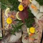 大規鮨し - 真鯛丸ごと1匹舟盛りです。要予約ご相談下さい!