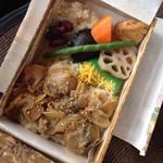 お弁当の万年屋 - 料理写真: