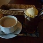 雨林舎 - カフェオレとコーヒーフロート