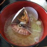 3760289 - ホタテの稚貝のみそ汁。ウマイです。
