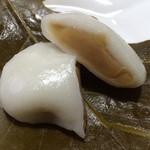 ビオトープ芽吹き屋 - 柏餅(みそあん)・カット
